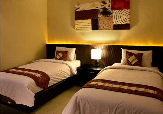 superior room merbabu guest house malang